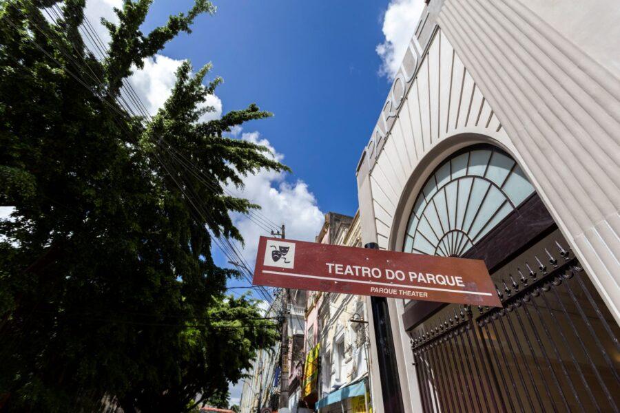 Entrada do Teatro do Parque.